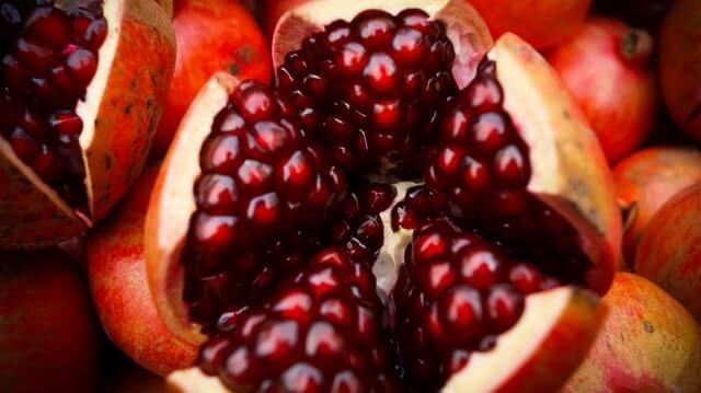 अनार खाने के 7 फायदे क्या है? Benefits of Eating Pomegranate