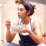 Huna Onao चीनी 'मांसपेशी वाली लड़की' ने इंटरनेट में तूफान ला दिया है ; देखिये पूरा वीडियो