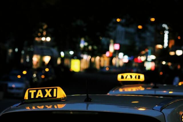 Uber ने COVID-19 Vaccination Centres से आने और जाने के लिए यात्रियों को मुफ़्त में टैक्सी सेवा देगी